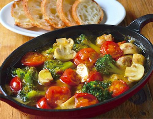 チキンとお野菜のアヒージョ